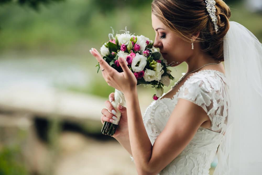 Venčanice sa šlicem – Otmene i atraktivne u isto vreme
